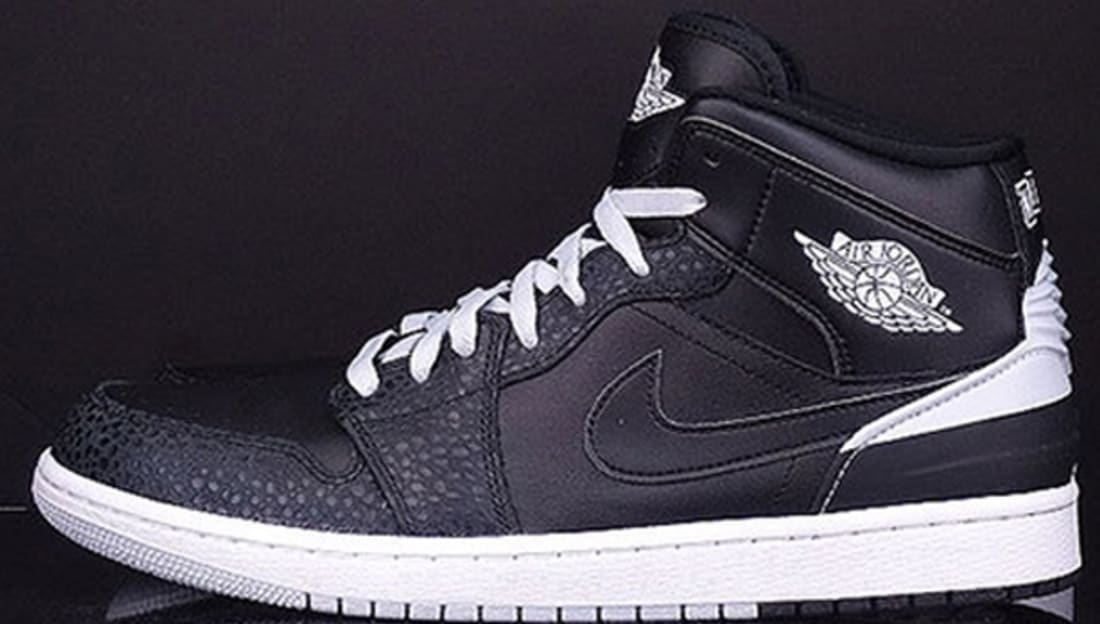 air jordan 1 retro '86 black&white photo