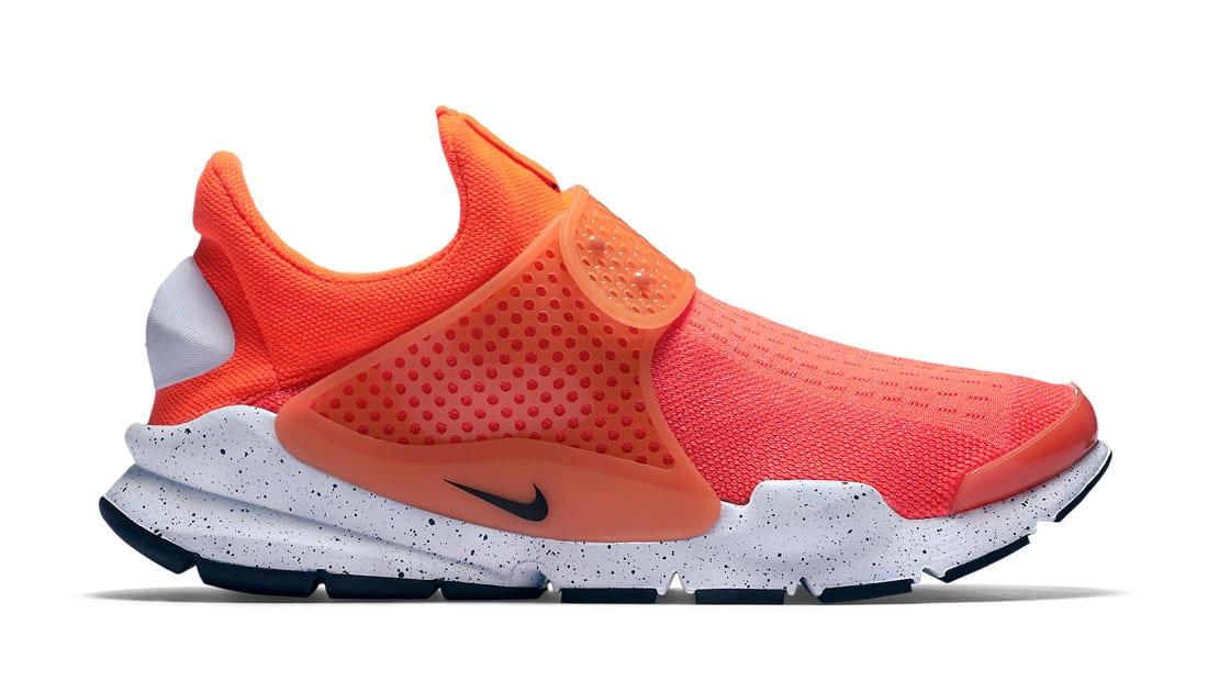 6c0026133c6f0 Nike Air Vapormax Plus Black Total Orange Total Crimson Tour Yellow ...