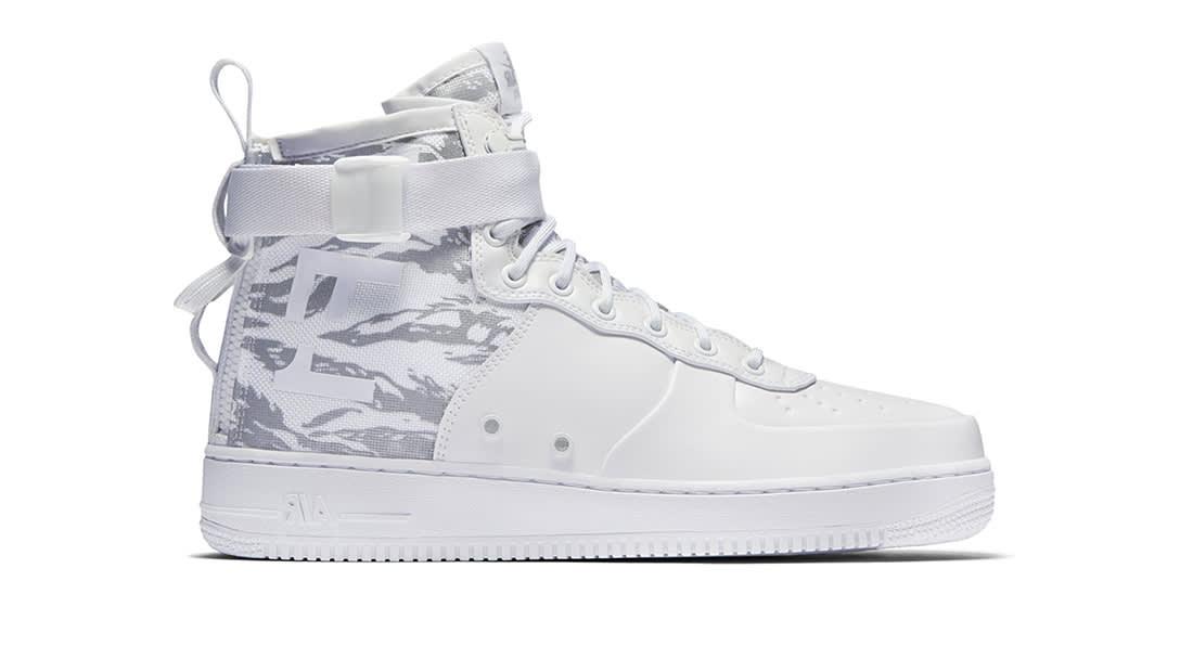 SF Air Force 1 Mid-Winter Sneakers Nike