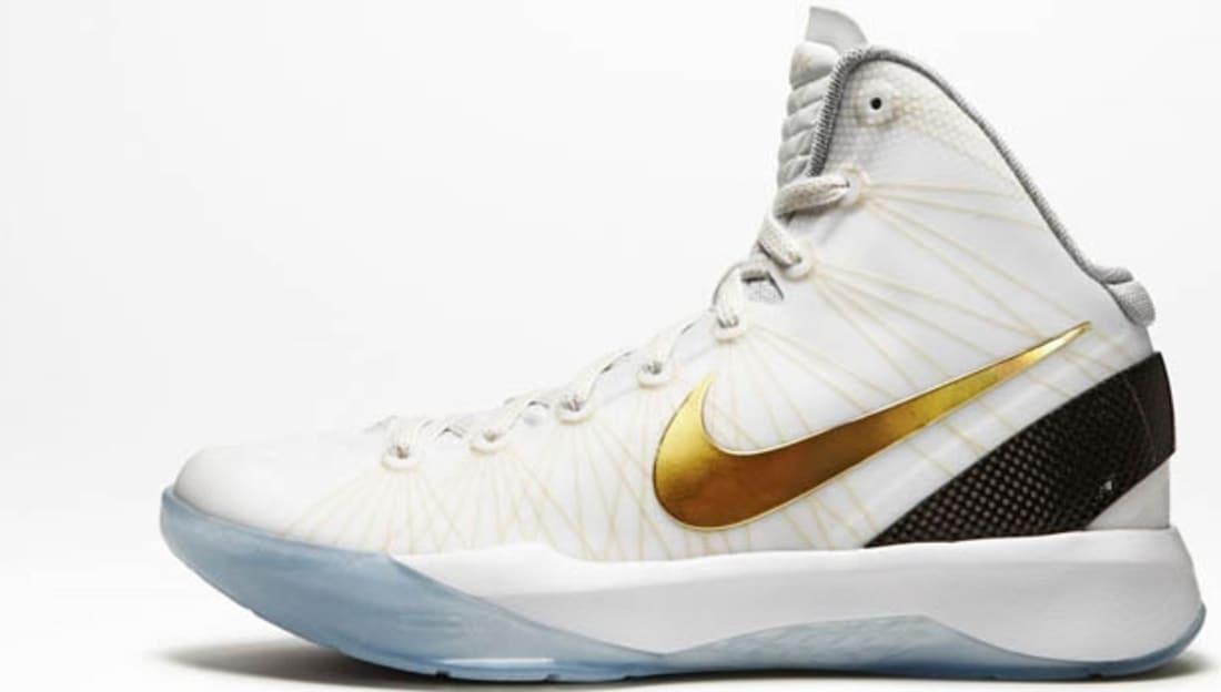90b65289536c ... Nike Zoom Hyperdunk 2011 Elite WhiteMetallic Gold Nike Sole Collector  ...