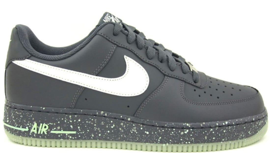 c8fee23a3b85 ... Nike Air Force 1 Low Dark GreyGlow Nike Sole Collector ...