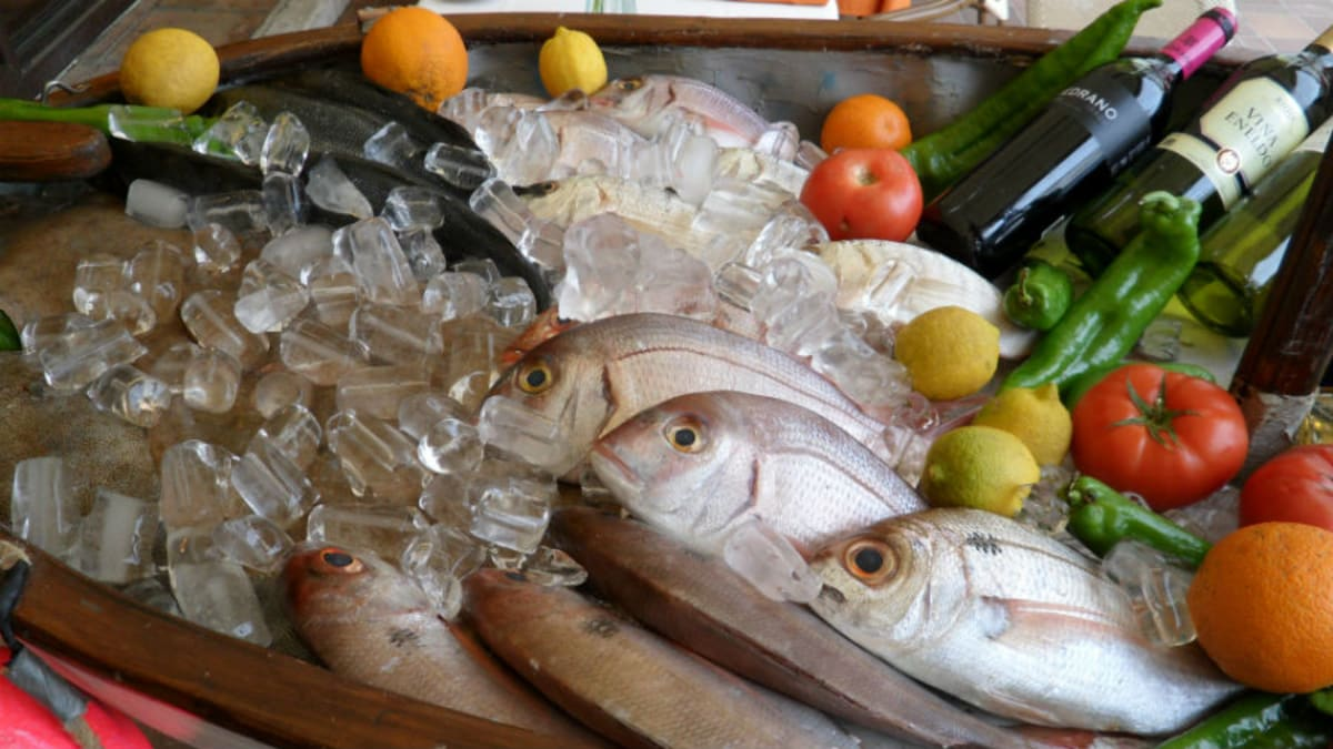 Starting in august nyc restaurants will be required to for Where to buy sushi grade fish nyc