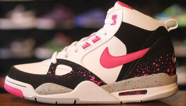 Nike Flight '13 Mid Black/Vivid Pink-Wolf Grey-White