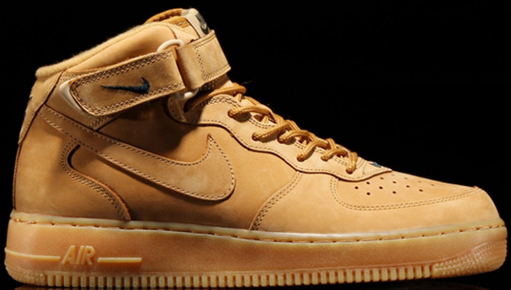 Nike Air Force 1 Mid Flax/Flax-Outdoor Green