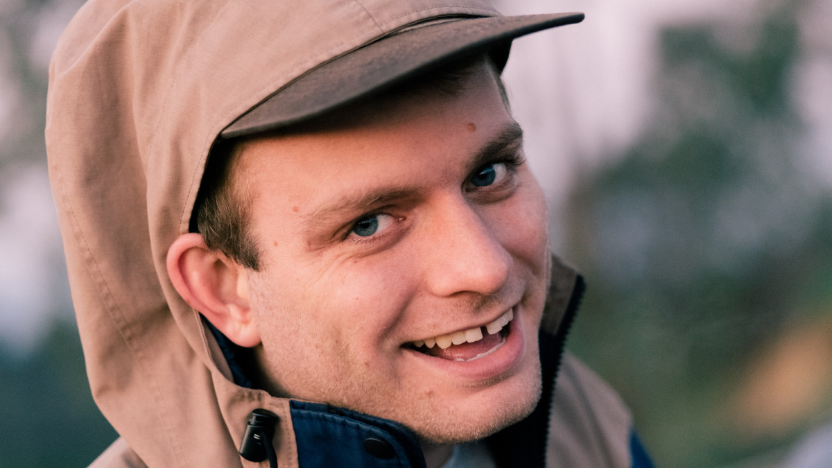 listen to mac demarco s new song on the level pigeonsandplanes